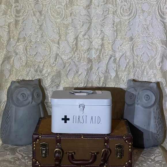 "Rae Dunn ""FIRST AID"" Container"